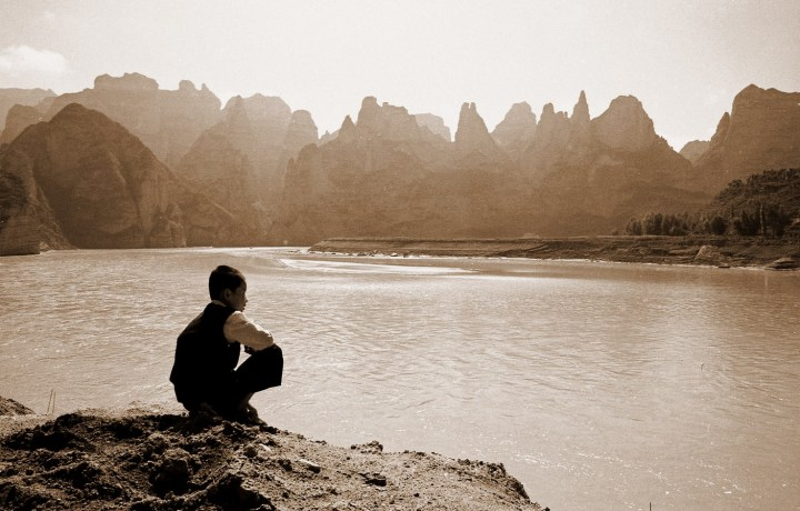 Sur le fleuve jaune Gansu 2001 sepia copie (Copier)