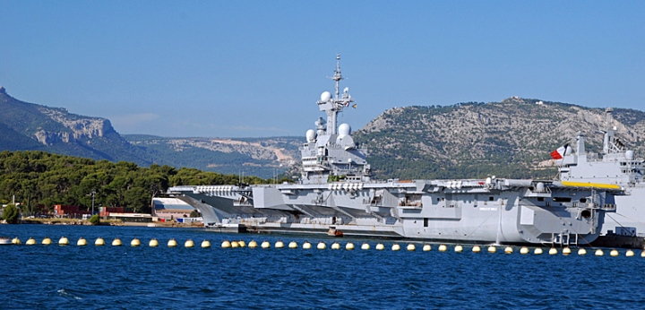 Toulon rade Charles de Gaulle et vu oct 2013 (9)