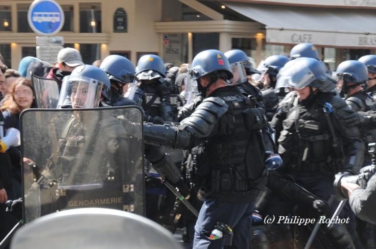 Paris manif du avril 2016 contre loi travail El Khomri (4web 0)