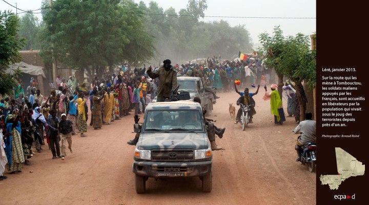 020h Photo et armée Armée Mali Leré 2013 (1)