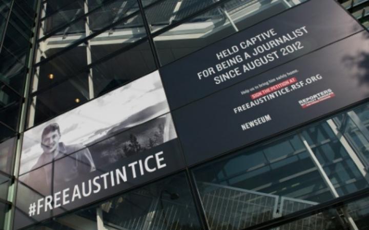 austin-tice-banderole-otage-depuis-2012
