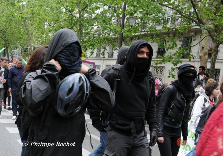 paris-manif-loi-travail-cgt-14-juin-2016-34-copier-signe