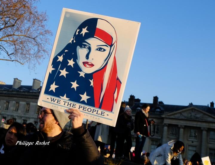 paris-manif-anti-trump-et-feministe-du-21-janvier-2017-signe