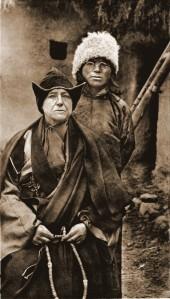 02-alexandra-dn-et-le-lama-yongden-1923-copier
