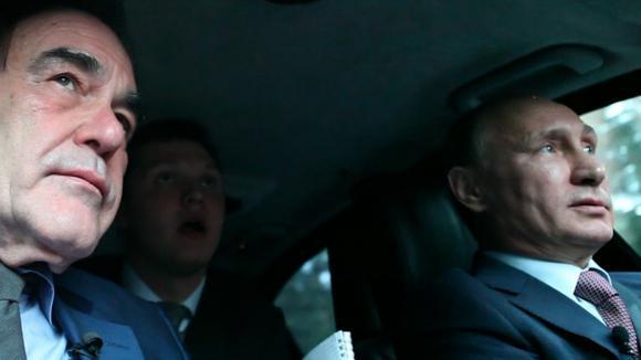 Poutine dans sa voiture avec Stone