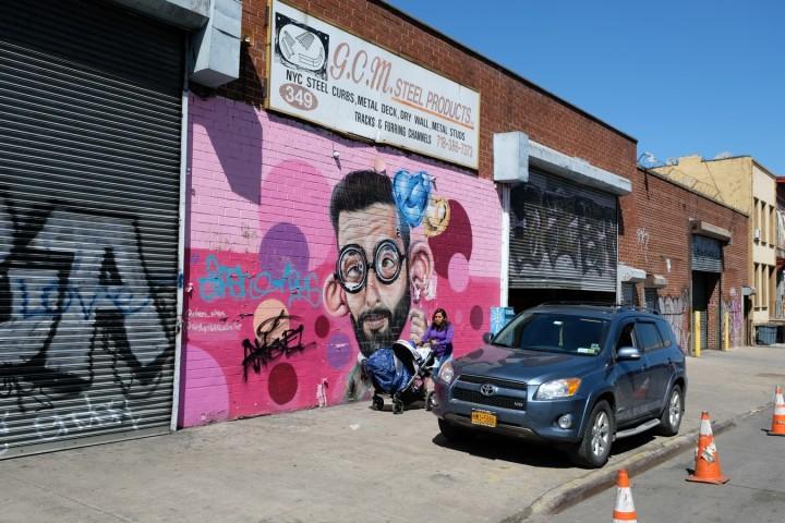 New york une vir e bushwick rep re du street art for Changer un interrupteur mural